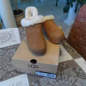 Ugg Chesnut Lamb Suede Wood Platform Clogs 8